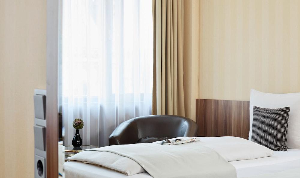 리빙 호텔 뒤셀도르프 바이 데라크(Living Hotel Düsseldorf by Derag) Hotel Image 12 - Guestroom