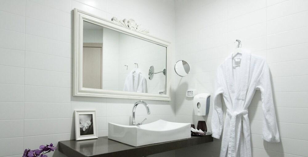 예루살렘 인(Jerusalem Inn) Hotel Image 16 - Bathroom Sink