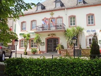 蘇姆格登斯坦酒店 Hotel zum Goldenen Stern