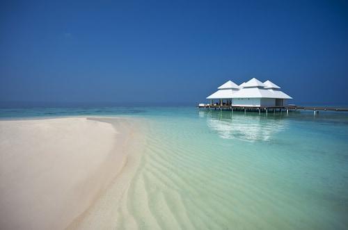 . Diamonds Athuruga Beach & Water Villas All Inclusive