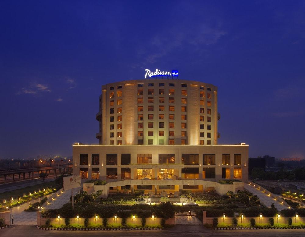 래디슨 블루 호텔 뉴 델리 드워카(Radisson Blu Hotel New Delhi Dwarka) Hotel Image 51 - Hotel Front - Evening/Night