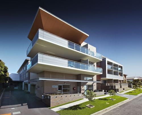 Charlestown Executive Apartments, Lake Macquarie  - North