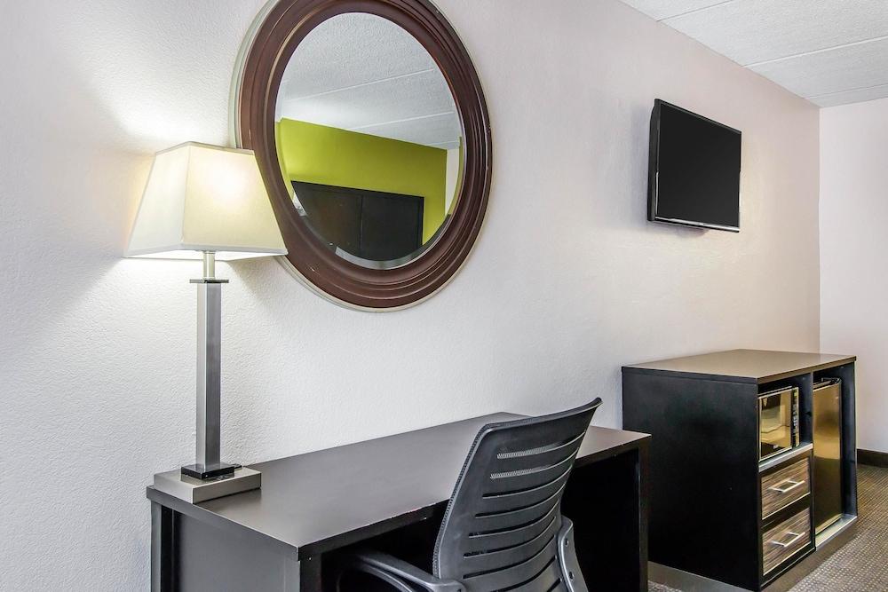 퀄리티 인 하인스빌 - 포트 스튜어트 에어리어(Quality Inn Hinesville - Fort Stewart Area) Hotel Image 11 - Guestroom