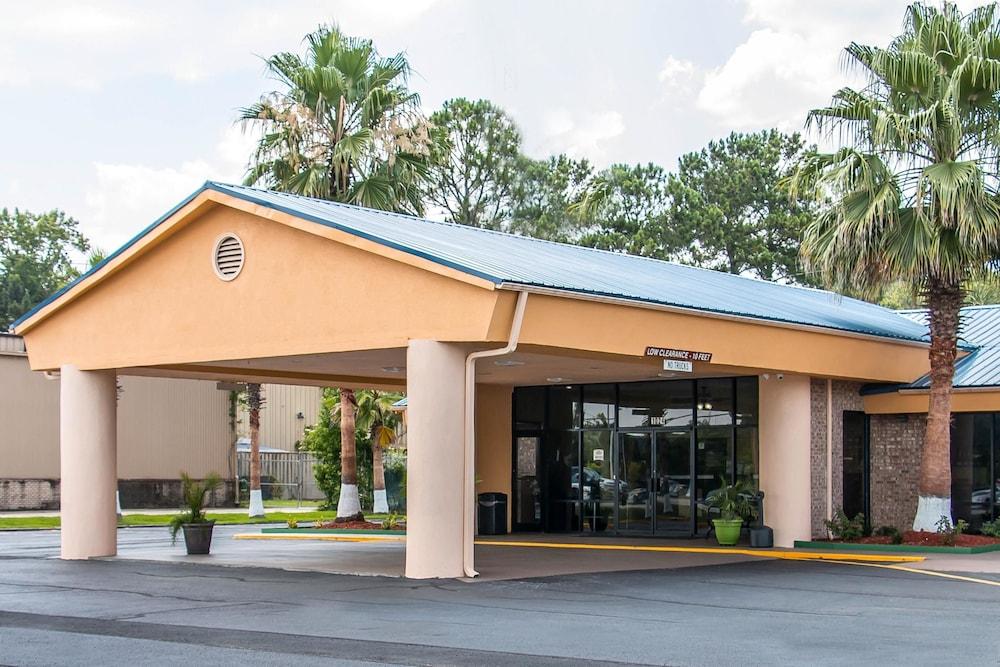 퀄리티 인 하인스빌 - 포트 스튜어트 에어리어(Quality Inn Hinesville - Fort Stewart Area) Hotel Image 0 - Featured Image