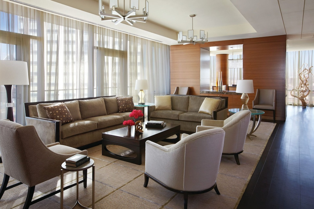 포 시즌스 호텔 볼티모어(Four Seasons Hotel Baltimore) Hotel Image 18 - Living Area