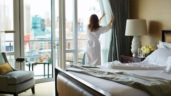 포 시즌스 호텔 볼티모어(Four Seasons Hotel Baltimore) Hotel Image 6 - Guestroom