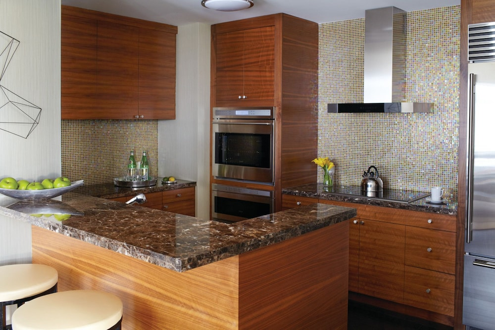 포 시즌스 호텔 볼티모어(Four Seasons Hotel Baltimore) Hotel Image 17 - In-Room Kitchen