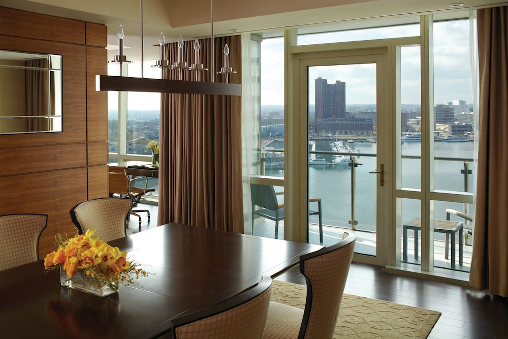 포 시즌스 호텔 볼티모어(Four Seasons Hotel Baltimore) Hotel Image 16 - In-Room Dining
