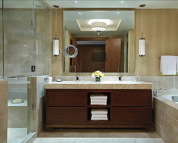 포 시즌스 호텔 볼티모어(Four Seasons Hotel Baltimore) Hotel Image 24 - Bathroom