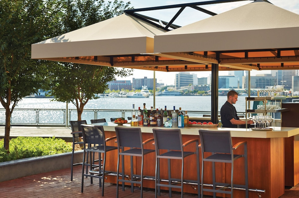 포 시즌스 호텔 볼티모어(Four Seasons Hotel Baltimore) Hotel Image 41 - Poolside Bar