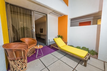 Signature Room, 2 Double Beds, Patio, Poolside
