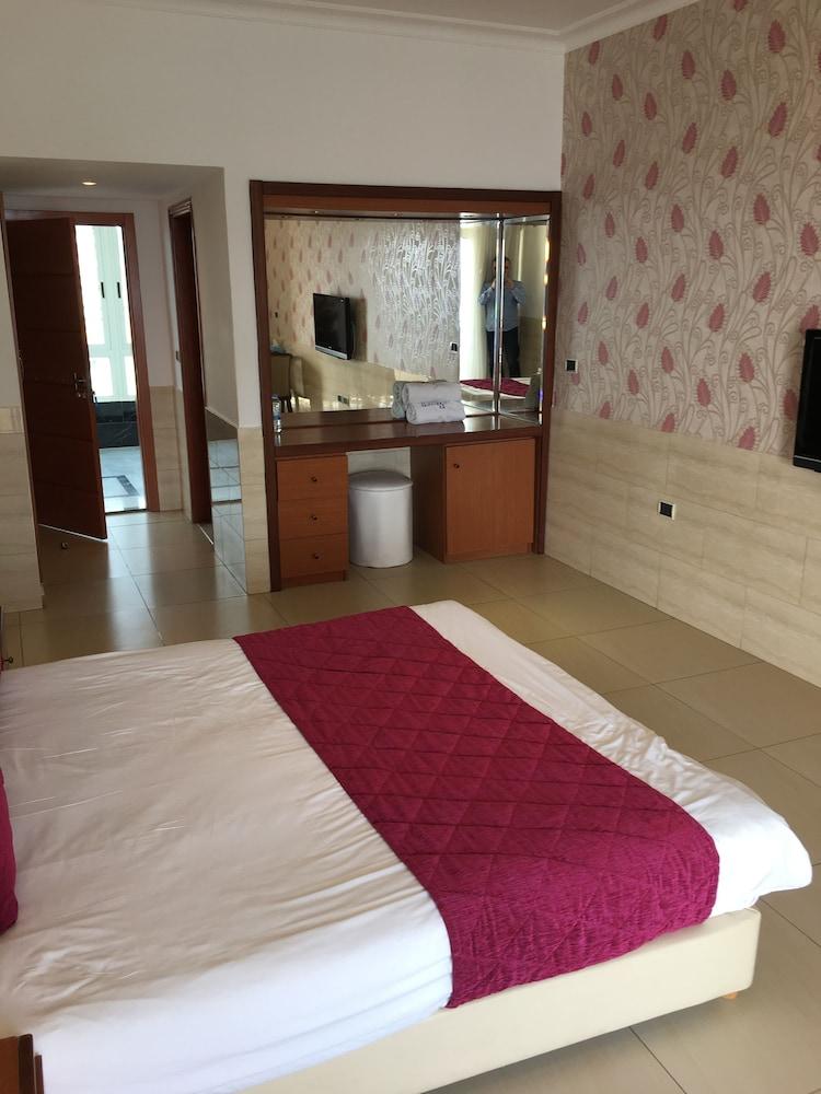 사와리 리조트 앤드 호텔(Sawary Resort and Hotel) Hotel Image 20 - Guestroom View