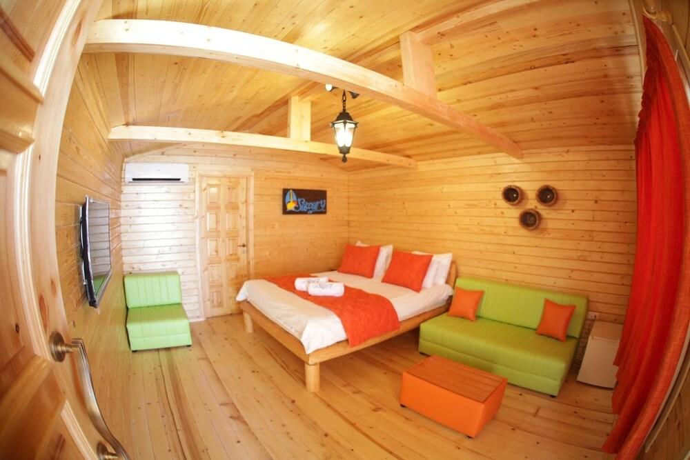 사와리 리조트 앤드 호텔(Sawary Resort and Hotel) Hotel Image 8 - Guestroom