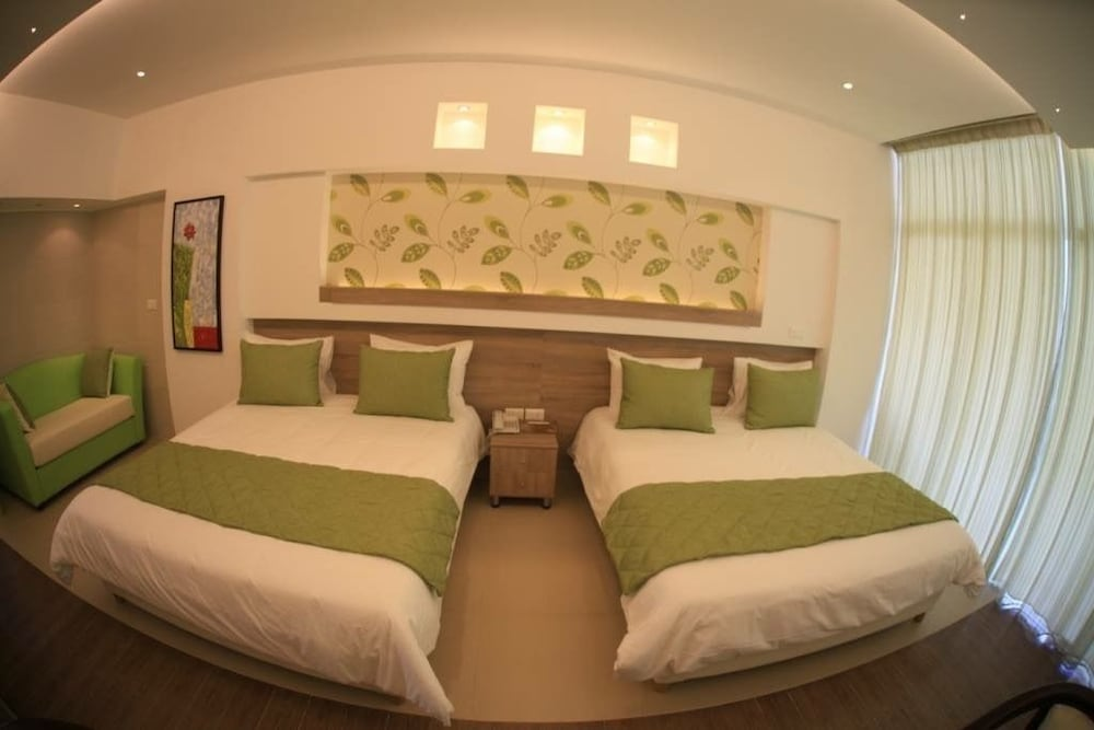 사와리 리조트 앤드 호텔(Sawary Resort and Hotel) Hotel Image 12 - Guestroom