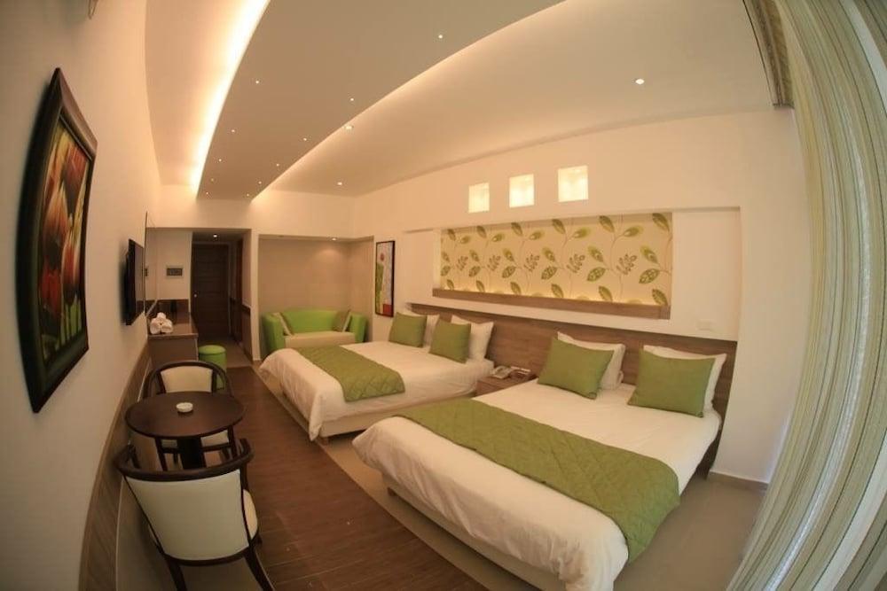 사와리 리조트 앤드 호텔(Sawary Resort and Hotel) Hotel Image 13 - Guestroom