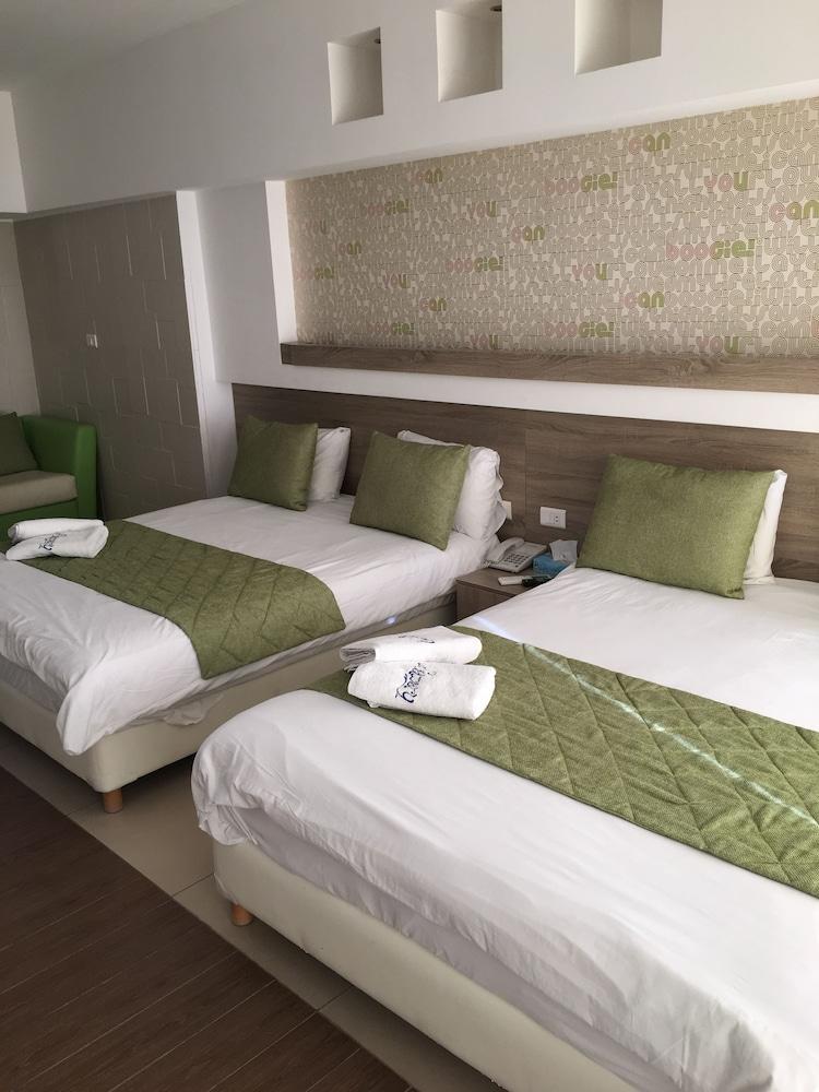 사와리 리조트 앤드 호텔(Sawary Resort and Hotel) Hotel Image 15 - Guestroom