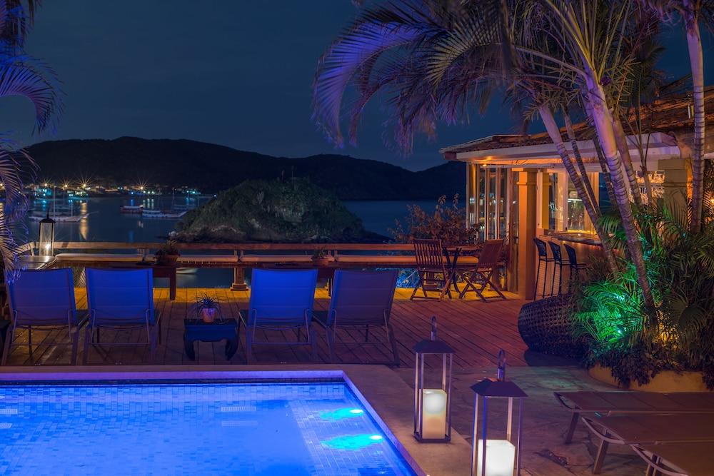 빌라 데스테 핸드메이드 호스피탤러티 호텔(Vila d'este handmade hospitality hotel) Hotel Image 39 - Indoor/Outdoor Pool