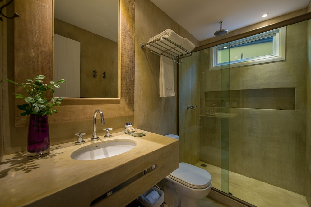 빌라 데스테 핸드메이드 호스피탤러티 호텔(Vila d'este handmade hospitality hotel) Hotel Image 30 - Bathroom