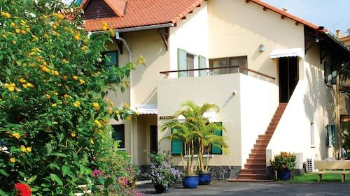 Saigon Village, Quận 10