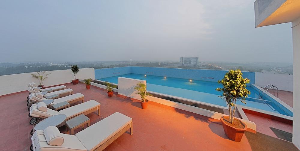 고쿨람 파크 코임바토르(Gokulam Park Coimbatore) Hotel Image 2 - Pool
