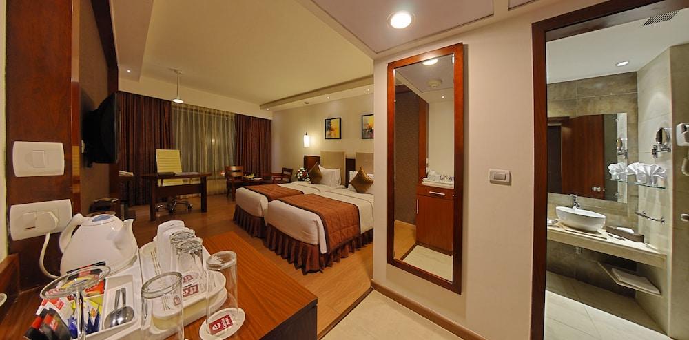 고쿨람 파크 코임바토르(Gokulam Park Coimbatore) Hotel Image 7 - Guestroom