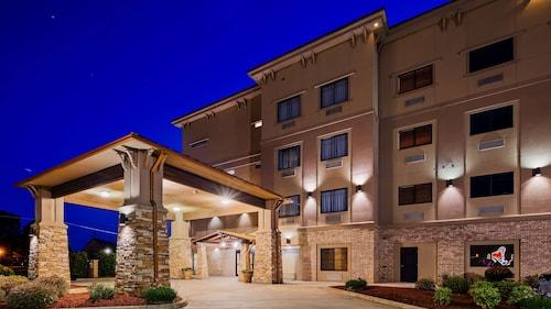. Best Western Plus Classic Inn & Suites