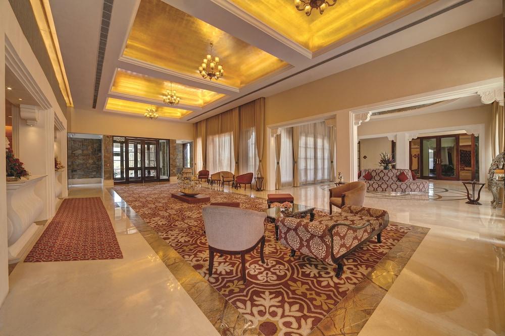 라마다 우다이푸르 리조트 앤드 스파(Ramada Udaipur Resort and Spa) Hotel Image 1 - Lobby