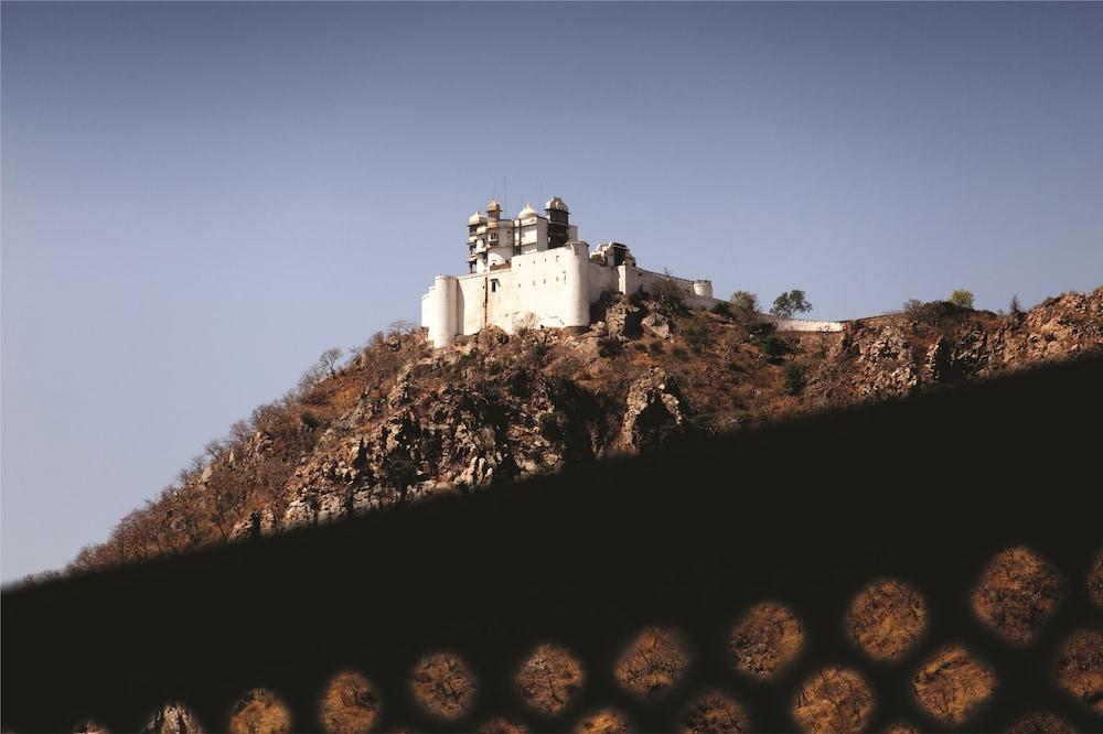 라마다 우다이푸르 리조트 앤드 스파(Ramada Udaipur Resort and Spa) Hotel Image 23 - Mountain View