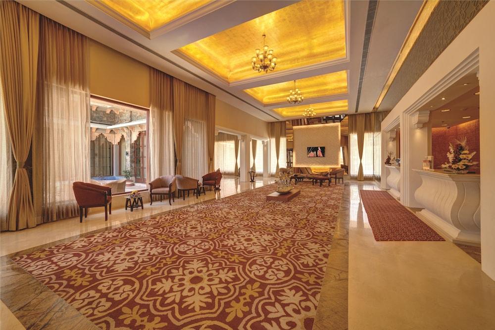 라마다 우다이푸르 리조트 앤드 스파(Ramada Udaipur Resort and Spa) Hotel Image 31 - Interior Entrance