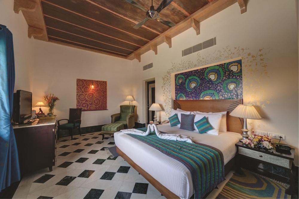 라마다 우다이푸르 리조트 앤드 스파(Ramada Udaipur Resort and Spa) Hotel Image 24 - Guestroom