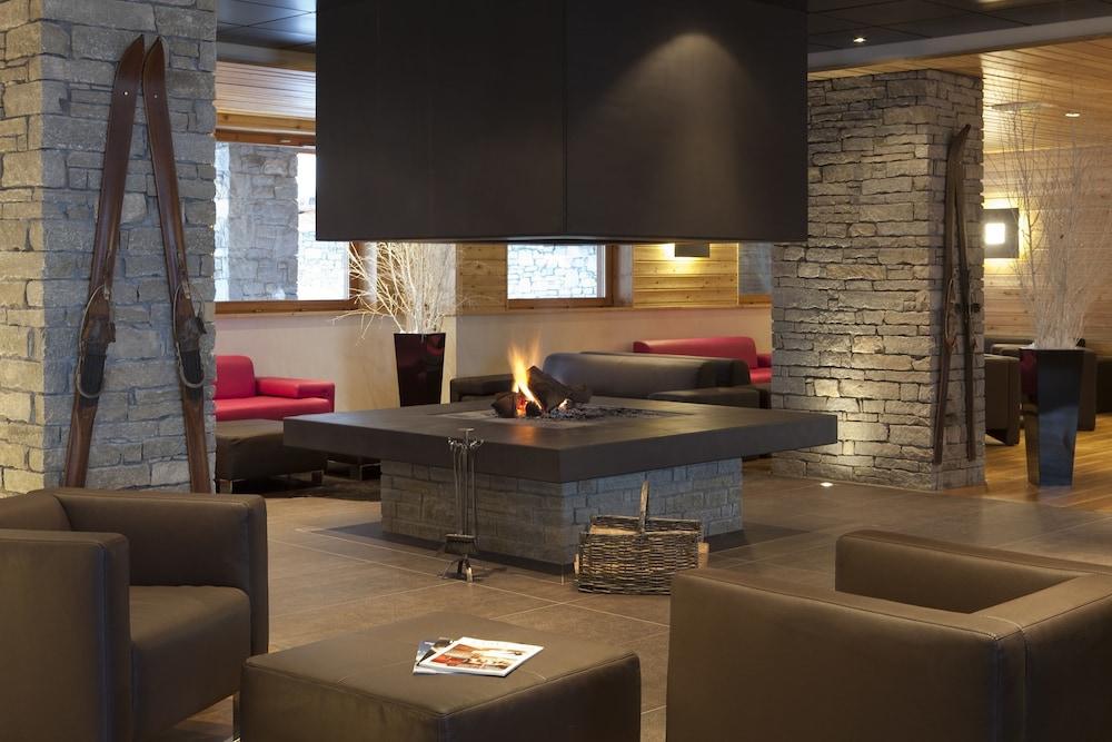 르 샬렛 뒤 몬트 발론 스파 리조트(Le Chalet du Mont Vallon Spa Resort) Hotel Image 36 - Fireplace