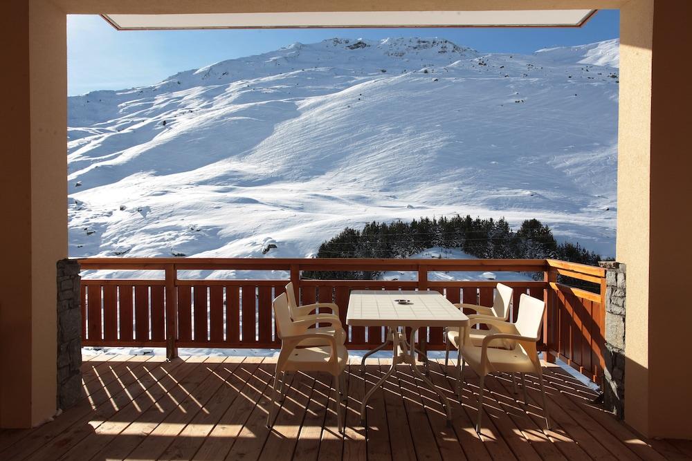 르 샬렛 뒤 몬트 발론 스파 리조트(Le Chalet du Mont Vallon Spa Resort) Hotel Image 9 - Balcony