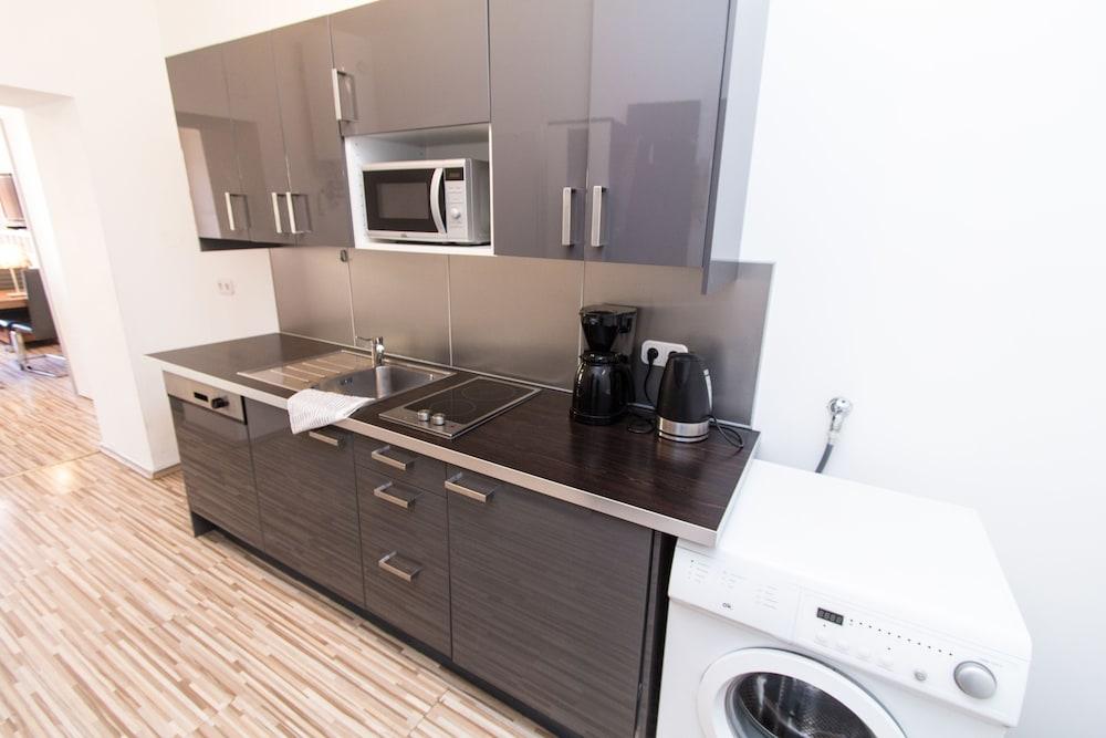 CheckVienna – Apartment Huetteldorfer Strasse