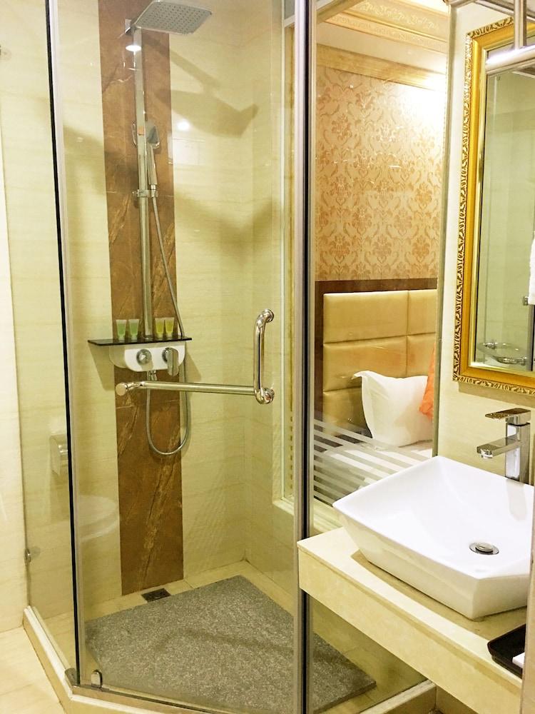 징두 호텔(Jingdu Hotel) Hotel Image 16 - Bathroom