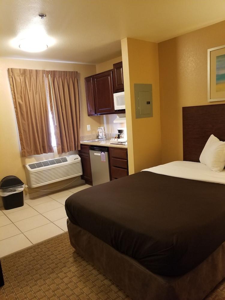 서버번 익스텐디드 스테이 호텔(Suburban Extended Stay Hotel) Hotel Image 6 - Guestroom