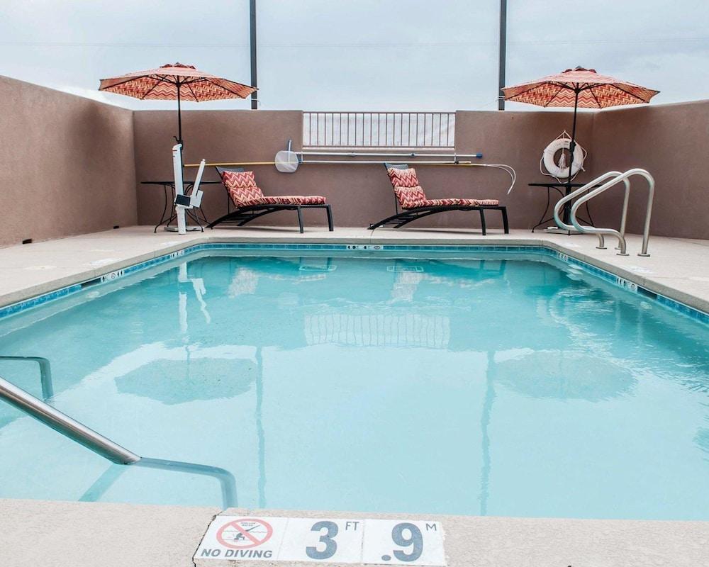 서버번 익스텐디드 스테이 호텔(Suburban Extended Stay Hotel) Hotel Image 4 - Pool