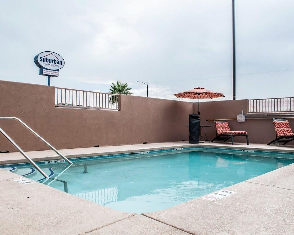 서버번 익스텐디드 스테이 호텔(Suburban Extended Stay Hotel) Hotel Image 5 - Pool