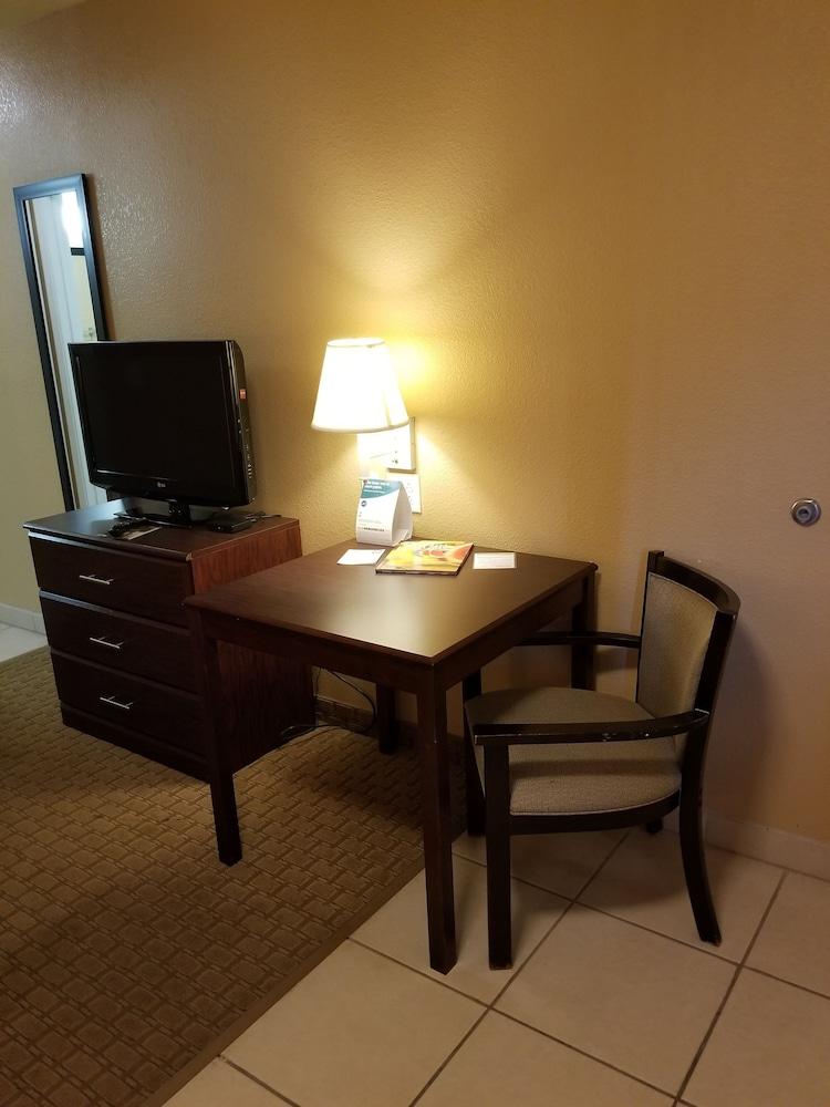 서버번 익스텐디드 스테이 호텔(Suburban Extended Stay Hotel) Hotel Image 13 - Guestroom