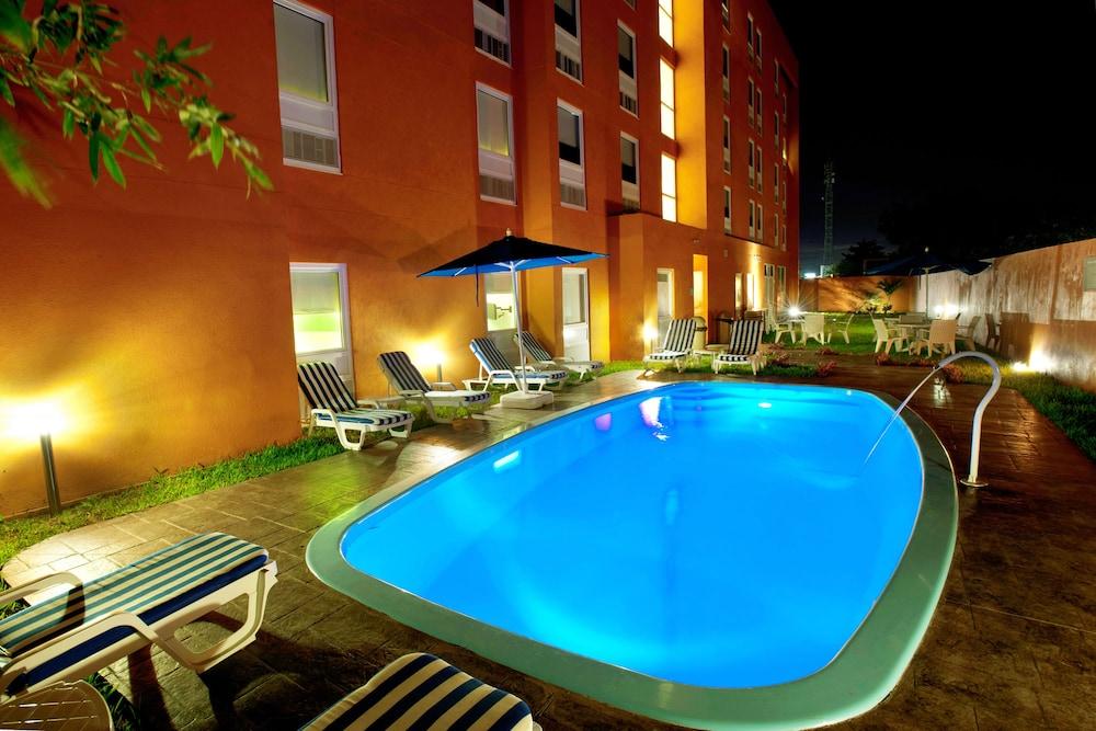 시티 익스프레스 주니어 베라크루즈  아에로푸에르토(City Express Junior Veracruz Aeropuerto) Hotel Image 6 - Outdoor Pool
