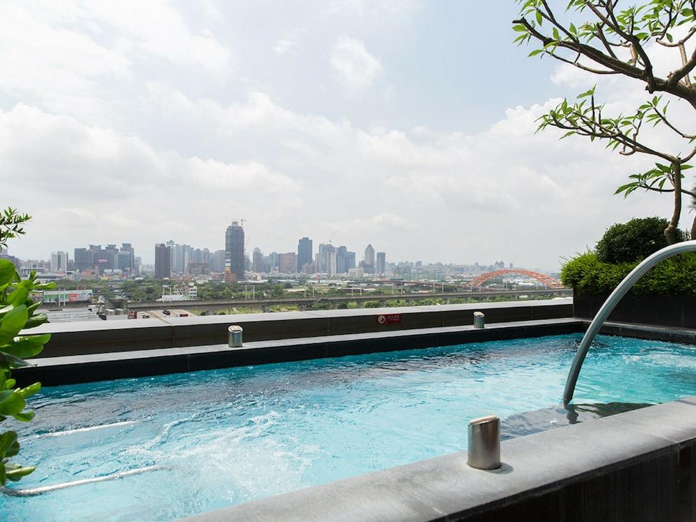 윈저 호텔 타이중(Windsor Hotel Taichung) Hotel Image 24 - Outdoor Spa Tub