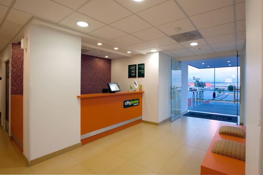 시티 익스프레스 주니어 톨루카  아에로푸에르토(City Express Junior Toluca Aeropuerto) Hotel Image 3 - Check-in/Check-out Kiosk