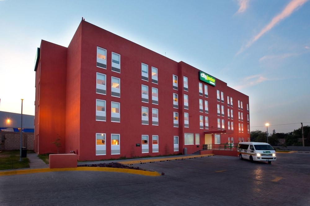 시티 익스프레스 주니어 톨루카  아에로푸에르토(City Express Junior Toluca Aeropuerto) Hotel Image 0 - Featured Image