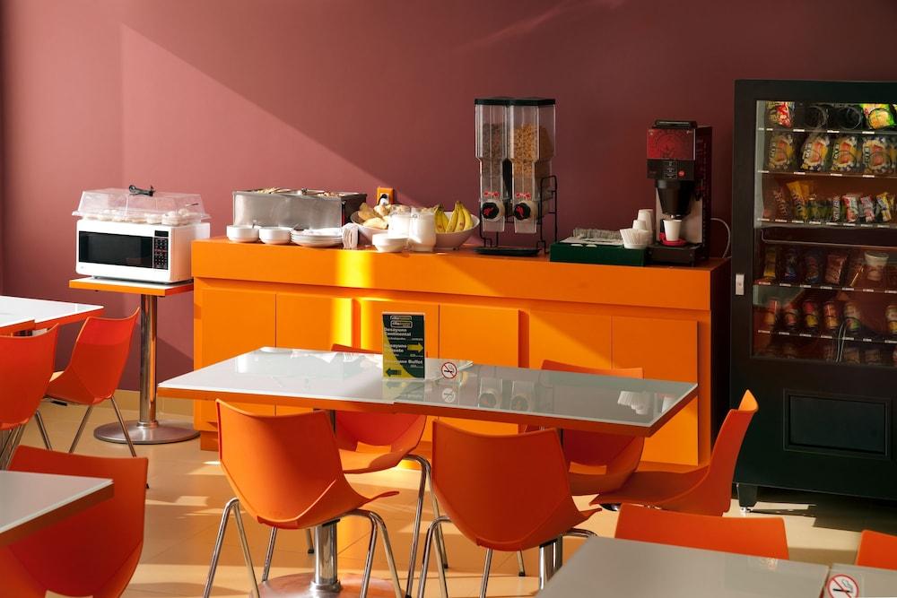 시티 익스프레스 주니어 톨루카  아에로푸에르토(City Express Junior Toluca Aeropuerto) Hotel Image 15 - Breakfast Area