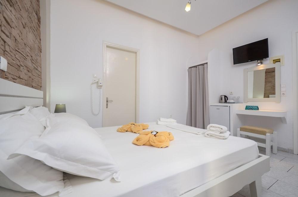 디미트라(Dimitra) Hotel Image 8 - Guestroom