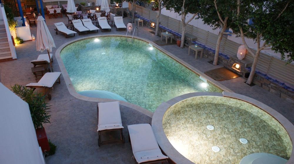 디미트라(Dimitra) Hotel Image 36 - Hotel Front - Evening/Night