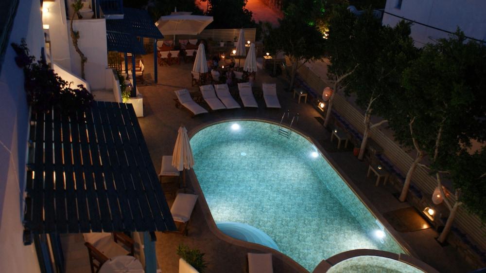 디미트라(Dimitra) Hotel Image 32 - Hotel Front - Evening/Night