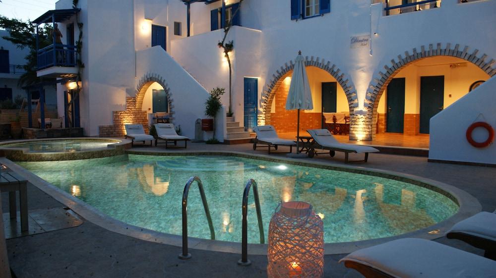 디미트라(Dimitra) Hotel Image 24 - Outdoor Pool