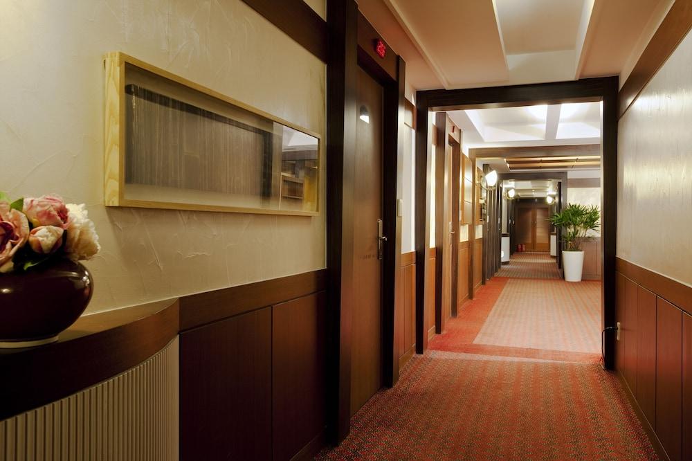 캐피탈 관광 호텔(Incheon Hotel Capital) Hotel Image 7 - Hallway