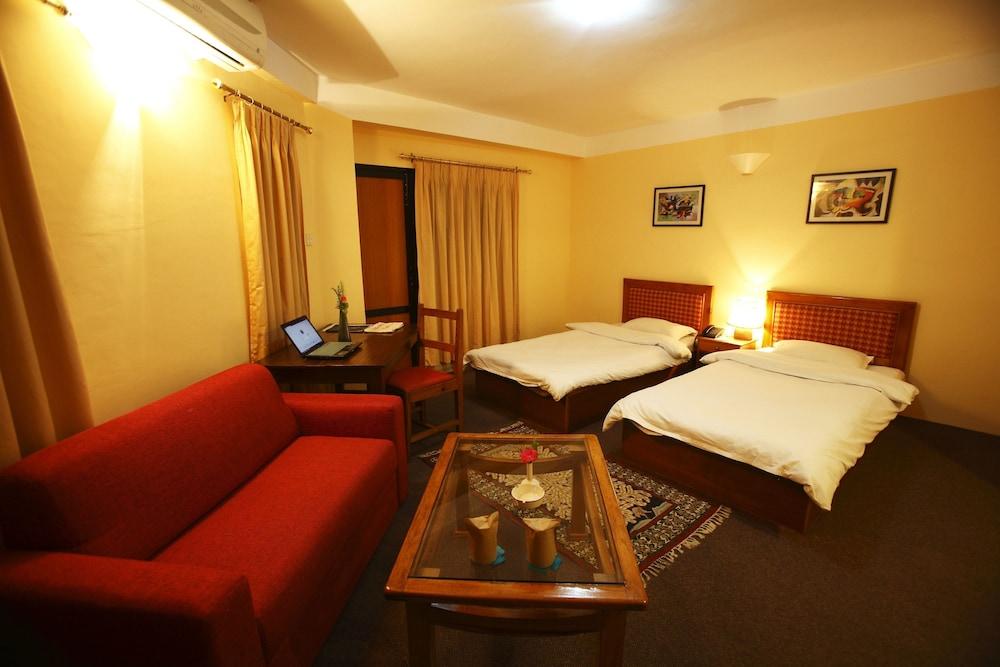로얄 아스토리아 호텔(Royal Astoria Hotel) Hotel Image 8 - Guestroom