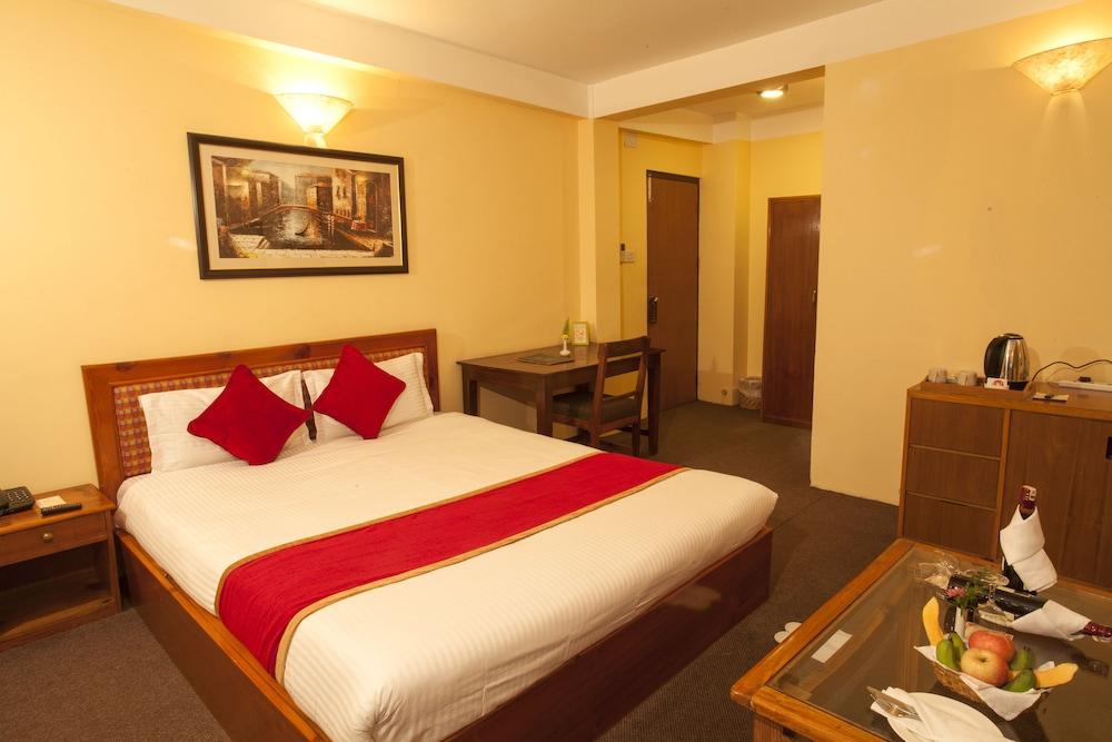 로얄 아스토리아 호텔(Royal Astoria Hotel) Hotel Image 18 - Guestroom